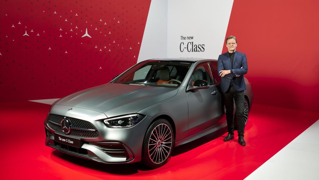 2022-Mercedes-Benz-C-Class-41-1