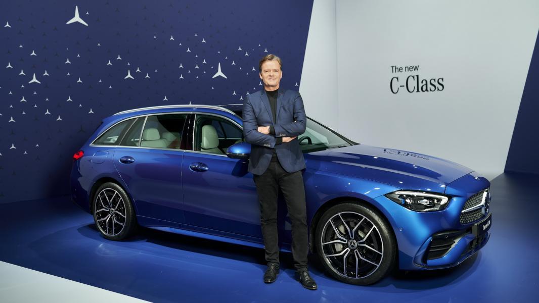 2022-Mercedes-Benz-C-Class-43-1