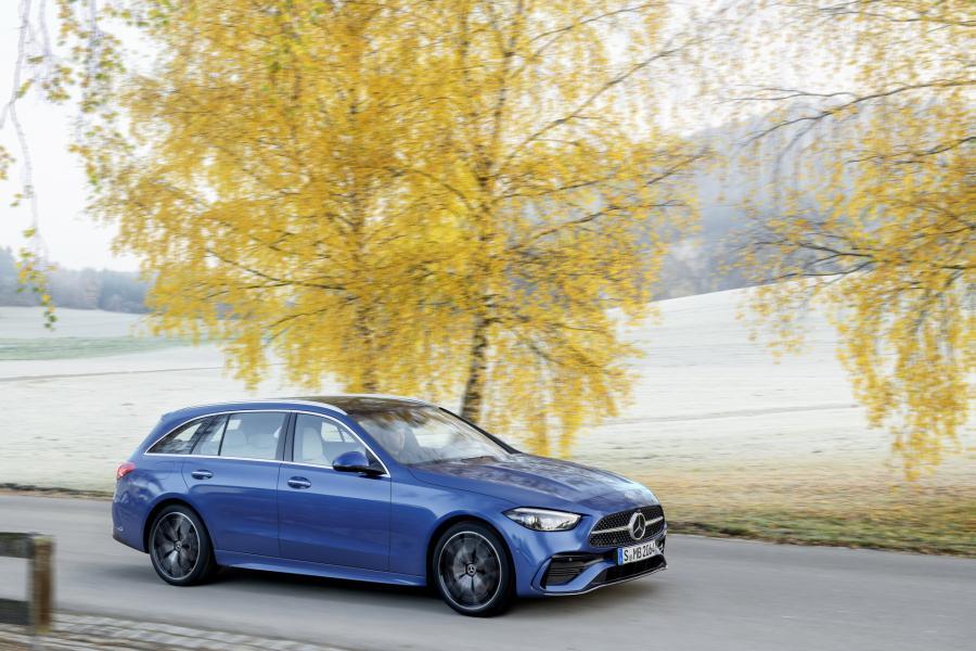 2022-Mercedes-Benz-C-Class-46-1