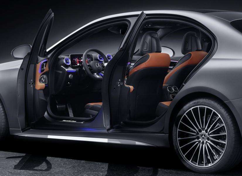 2022-Mercedes-Benz-C-Class-48-1