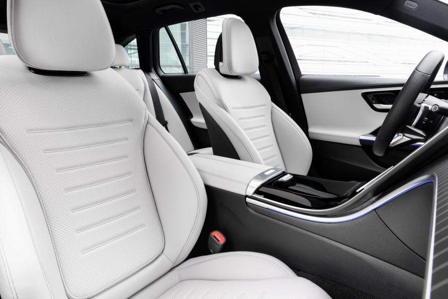 2022-Mercedes-Benz-C-Class-48-2