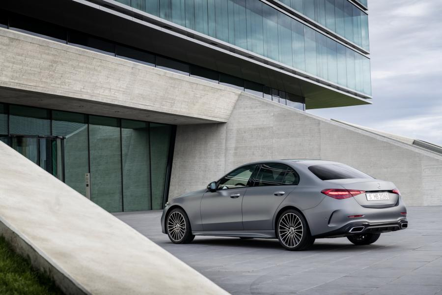 2022-Mercedes-Benz-C-Class-5-1