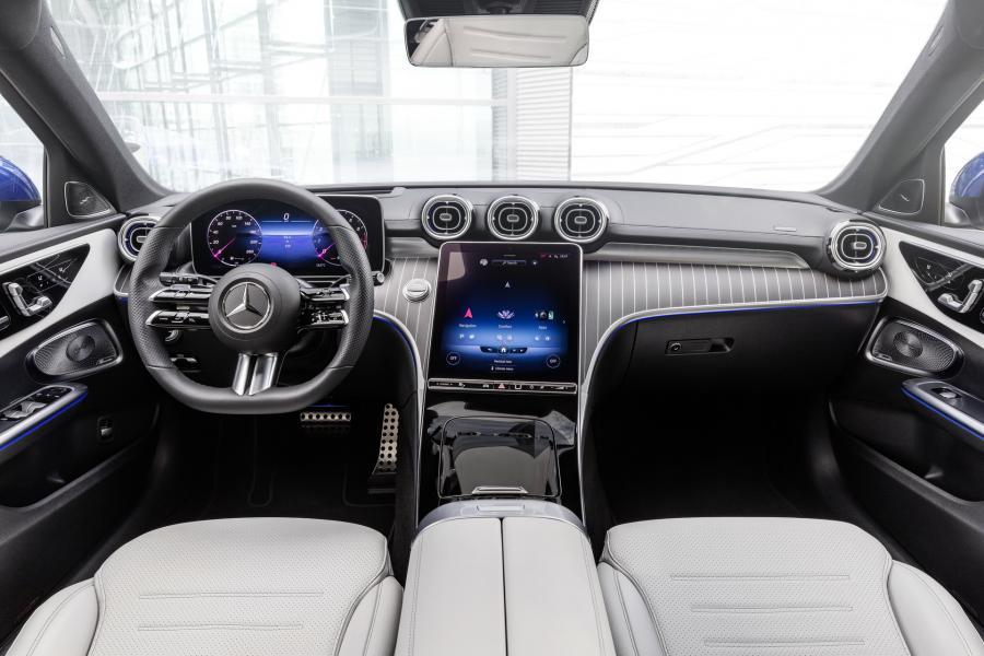 2022-Mercedes-Benz-C-Class-50-1