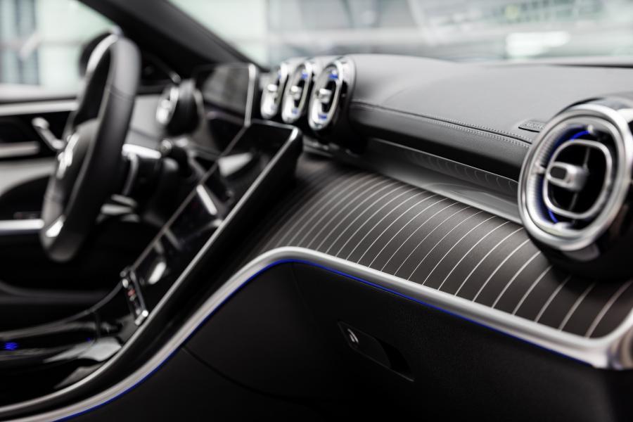 2022-Mercedes-Benz-C-Class-52-1