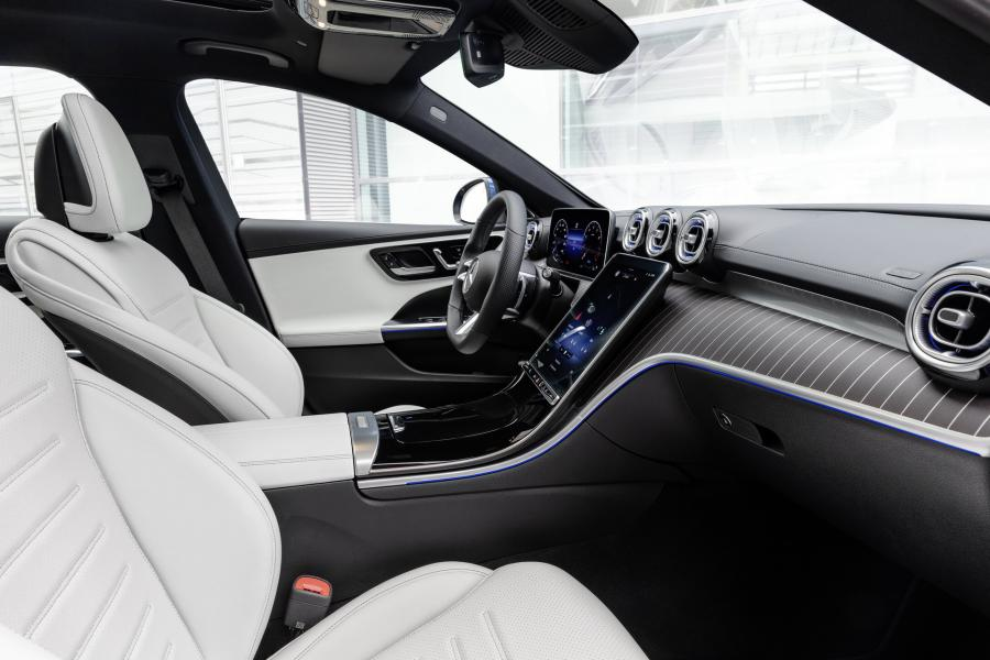 2022-Mercedes-Benz-C-Class-53-1