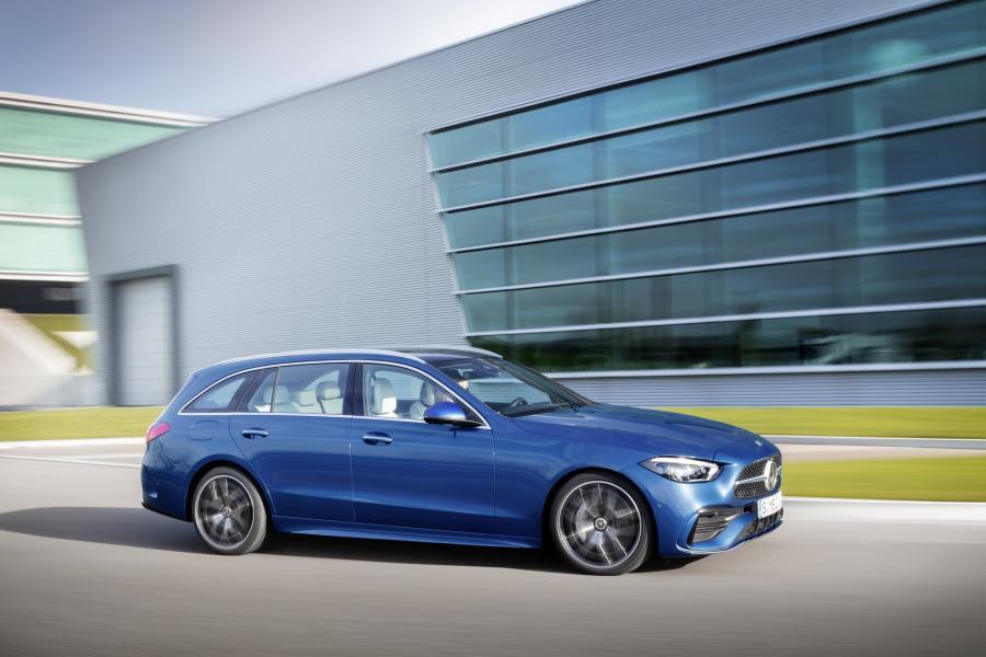 2022-Mercedes-Benz-C-Class-55-1