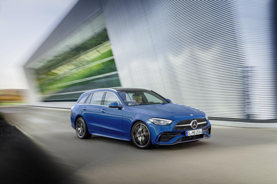 2022-Mercedes-Benz-C-Class-56-1