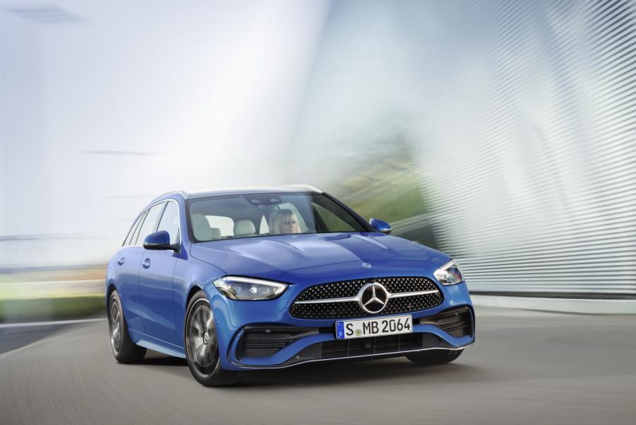 2022-Mercedes-Benz-C-Class-57-1