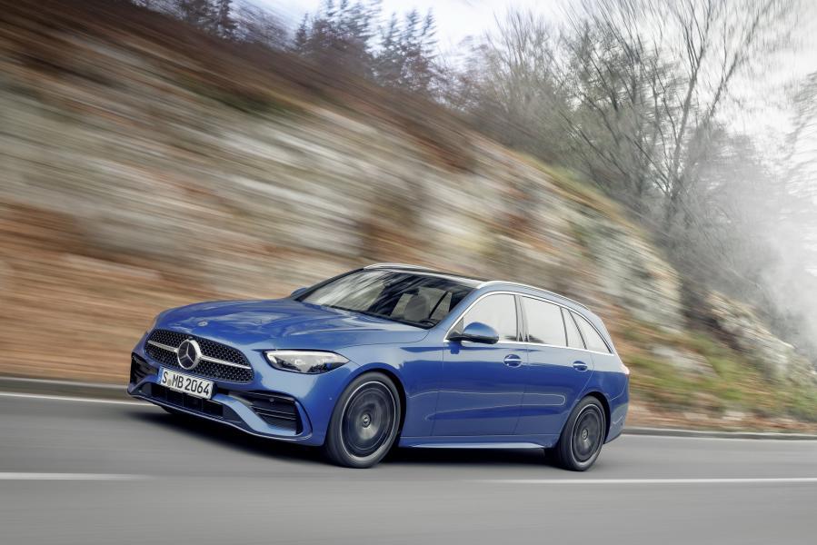 2022-Mercedes-Benz-C-Class-59-1
