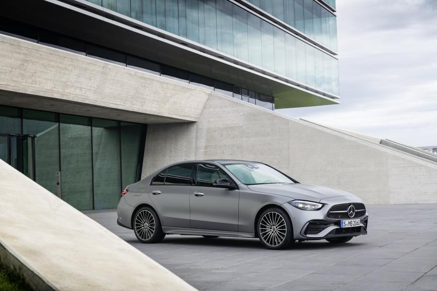 2022-Mercedes-Benz-C-Class-6-1