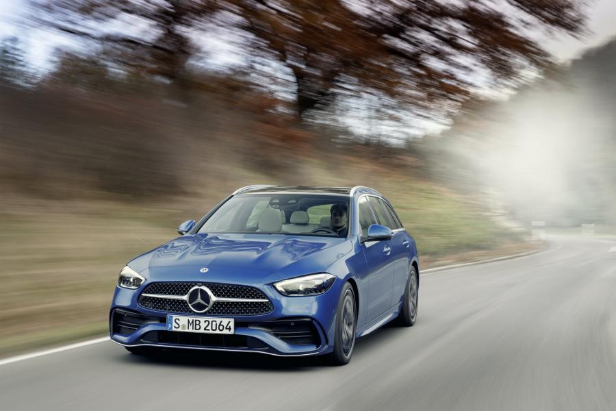 2022-Mercedes-Benz-C-Class-60-1