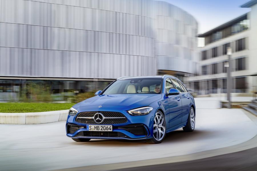 2022-Mercedes-Benz-C-Class-61-1
