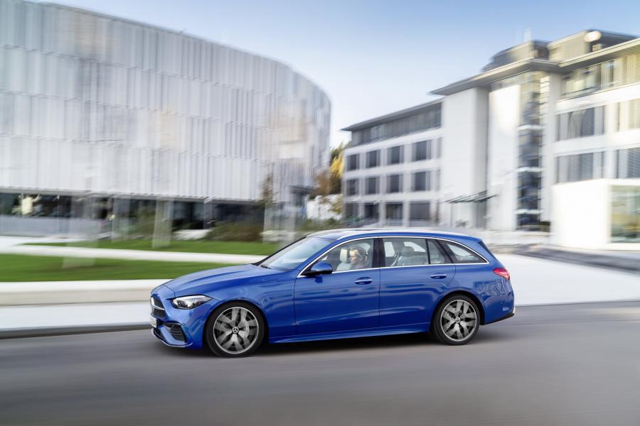 2022-Mercedes-Benz-C-Class-63-1