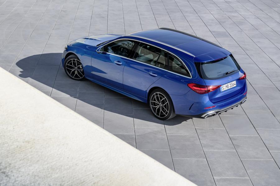 2022-Mercedes-Benz-C-Class-70-1