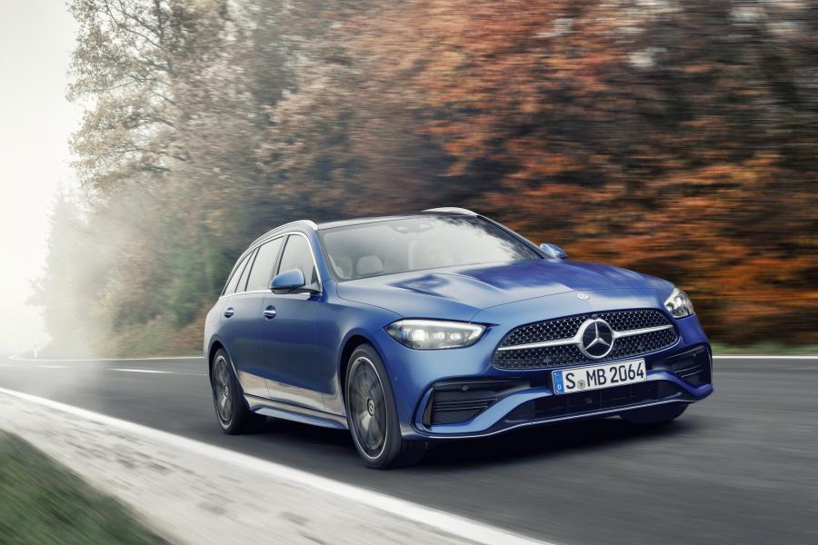 2022-Mercedes-Benz-C-Class-76-1