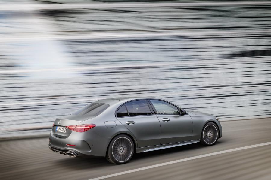 2022-Mercedes-Benz-C-Class-9-1