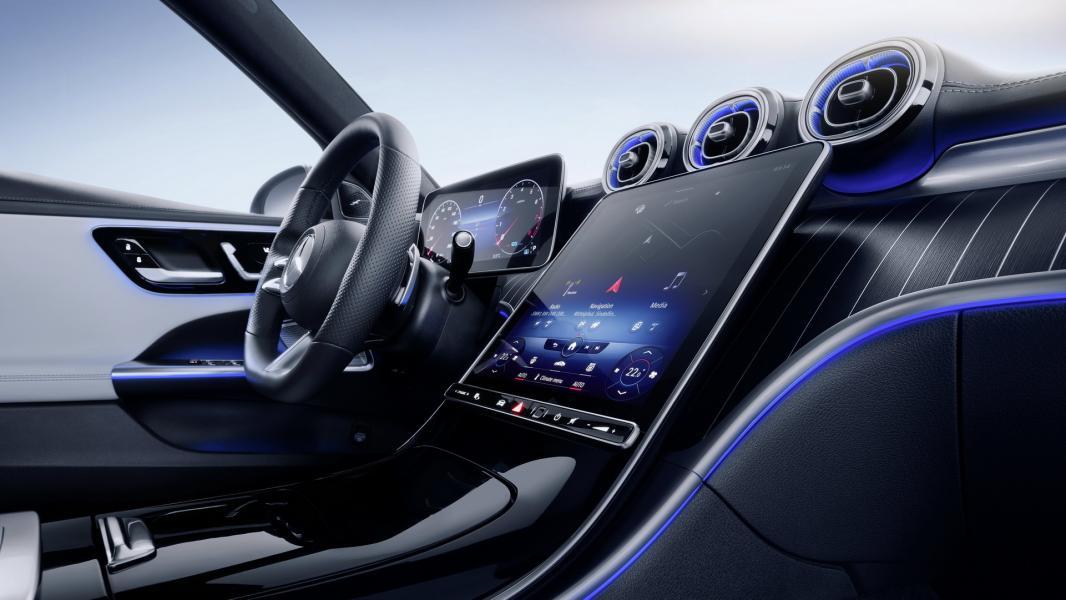 2022-Mercedes-Benz-C-Class-97