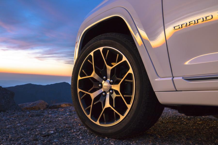 2022-Jeep-Grand-Cheroke-3