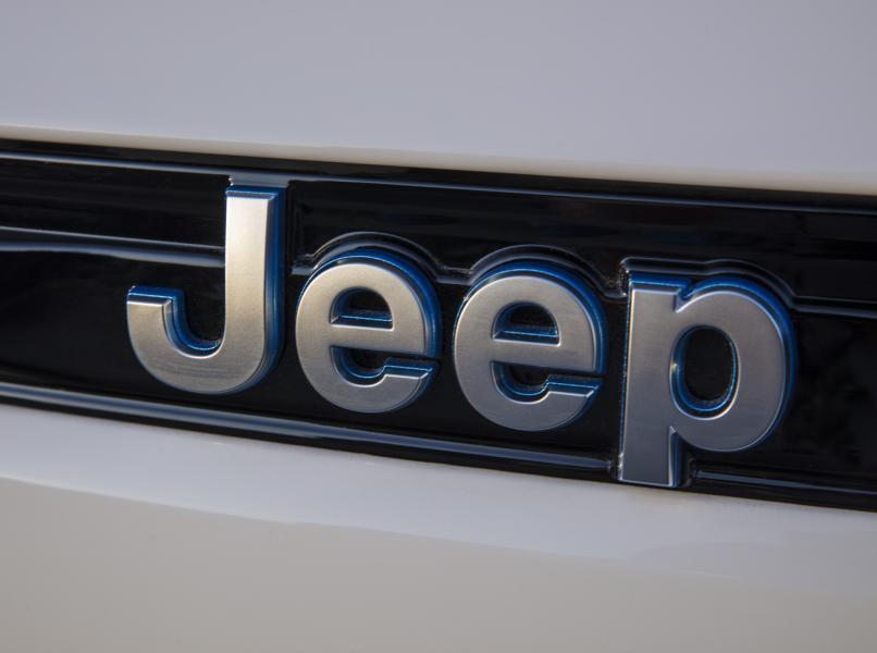 2022-Jeep-Grand-Cheroke-38