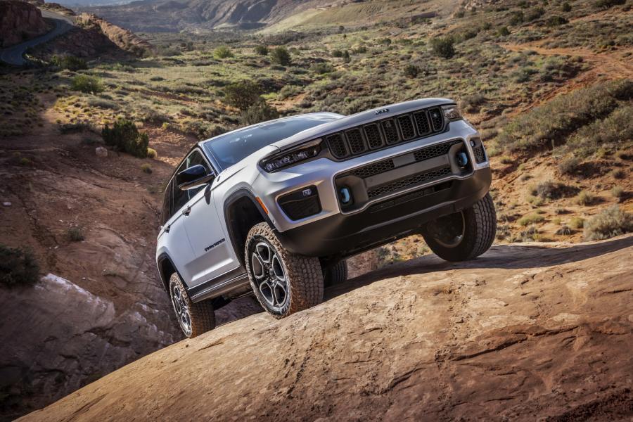 2022-Jeep-Grand-Cheroke-6