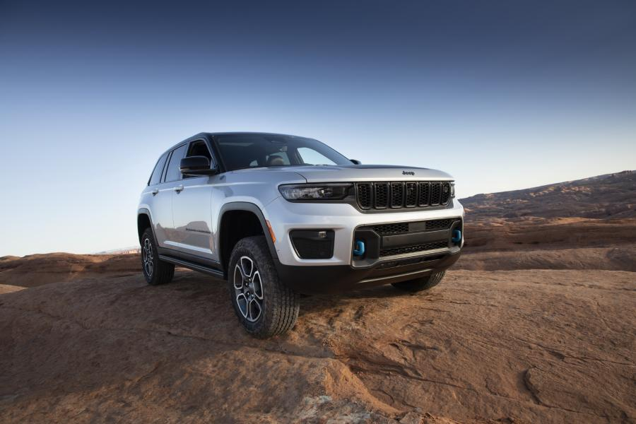 2022-Jeep-Grand-Cherokee-5