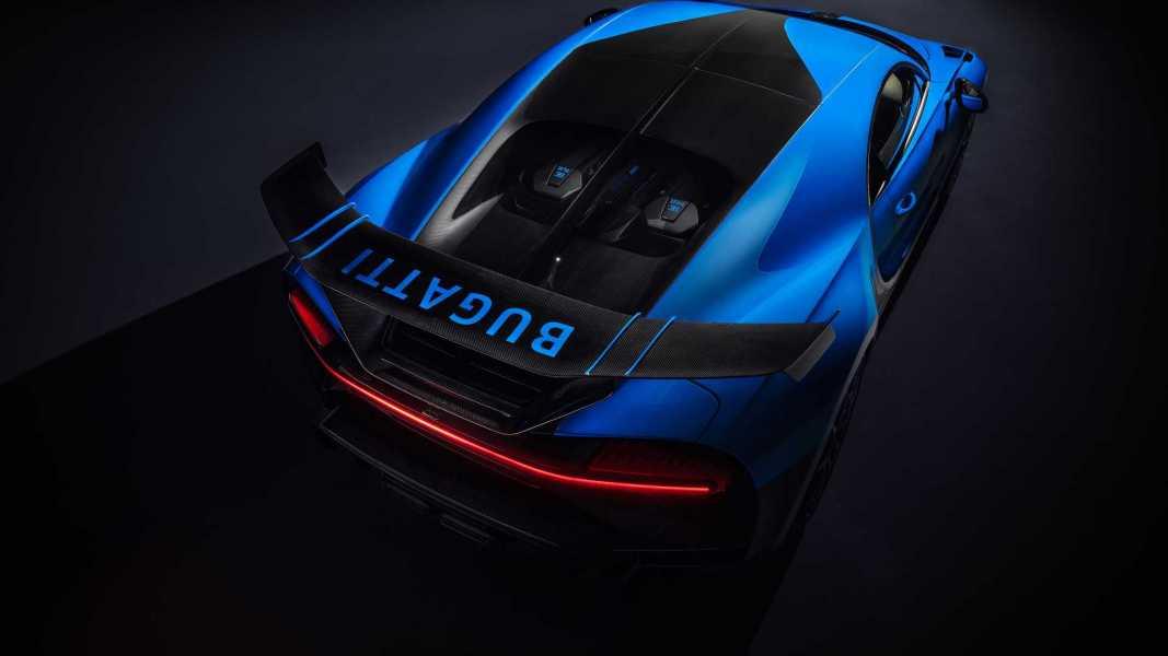 bugatti-chiron-pur-sport-2020-20