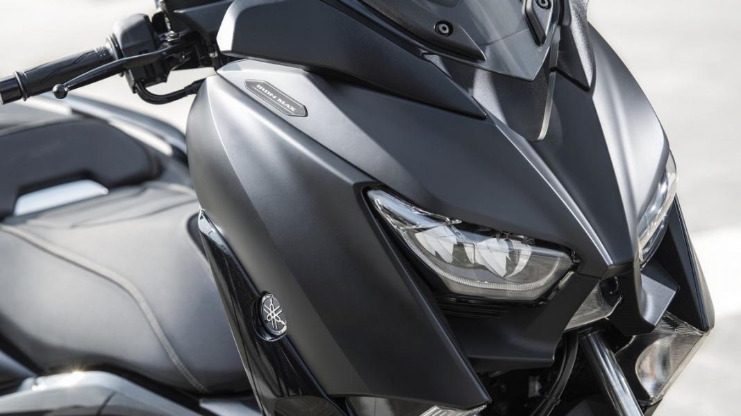 2019-Yamaha-XMAX300ASP-EU-Sword_Grey-Detail-001-03
