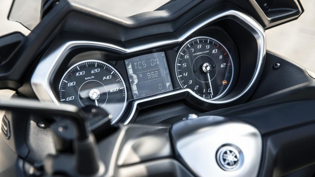 2019-Yamaha-XMAX300ASP-EU-Sword_Grey-Detail-005-03