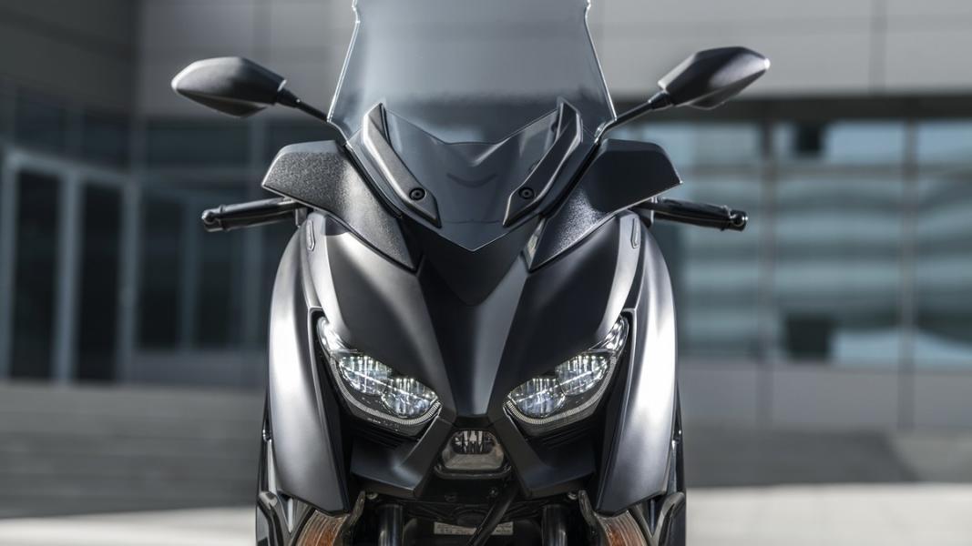 2019-Yamaha-XMAX300ASP-EU-Sword_Grey-Detail-009-03