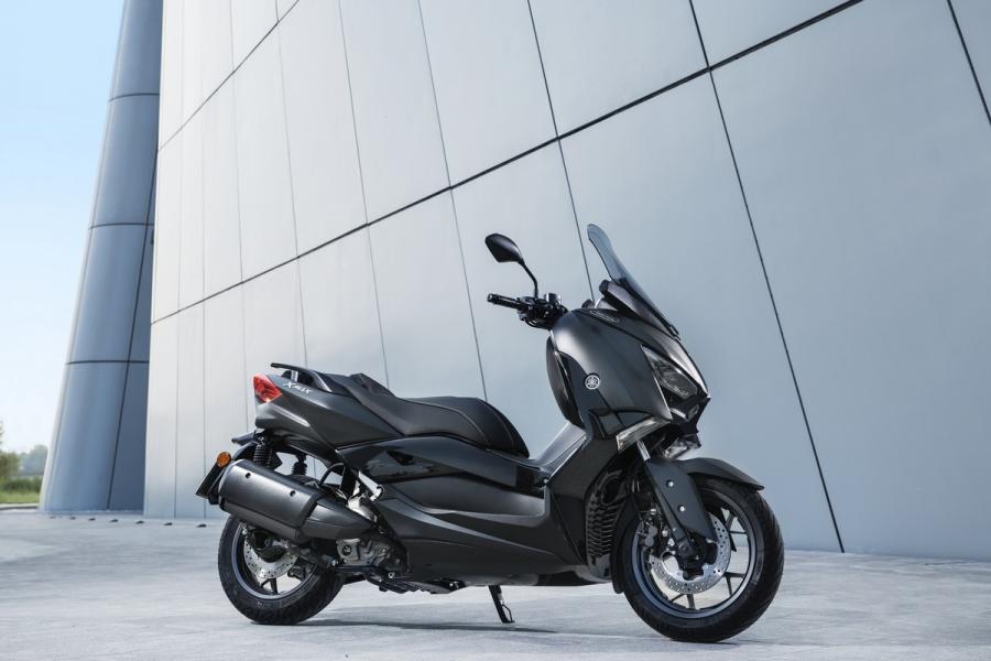 2019-Yamaha-XMAX300ASP-EU-Sword_Grey-Static-001