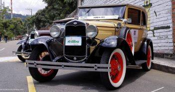 Desfile de Carros Clásicos y Antiguos en Bucaramanga