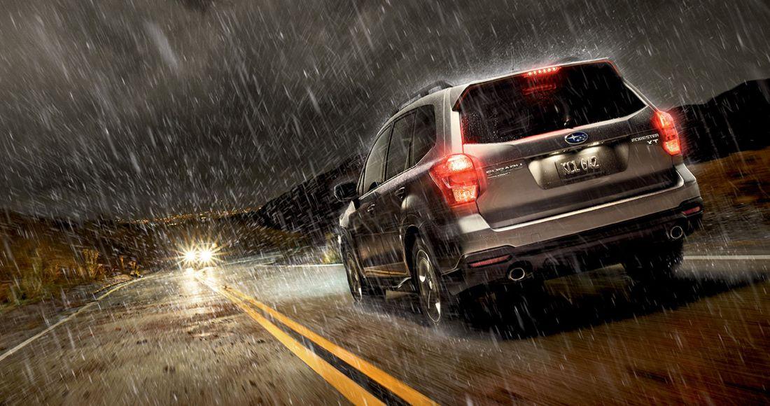Consejos para conducir bajo la lluvia