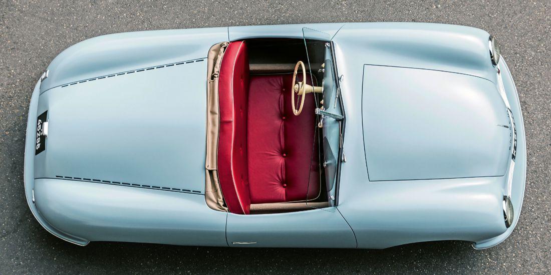 porsche 70 años, porsche 356 roadster 1948, porsche 356 roadster 1948 replica, replica del primer porsche, gira mundial del primer porsche, aniversario porsche 70 años, porsche en colombia, carros deportivos porsche