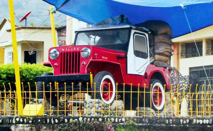 jeep willys, jeep willys colombia, historia jeep willys en colombia, jeep willys patrimonio cultural y material de colombia, desfile de yipao, yipao patrimonio cultural de colombia, jeep willys eje cafetero, jeep willys zona cafetera