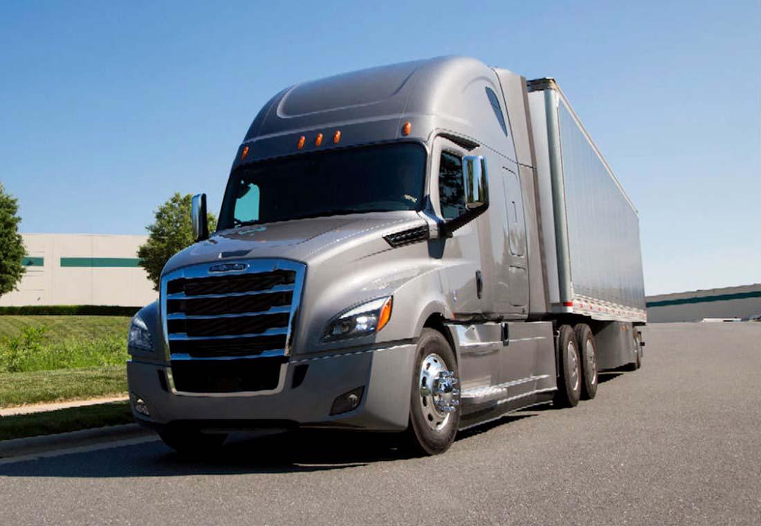 Freightliner Cascadia y 114 SD: Dos camiones a la americana que ya