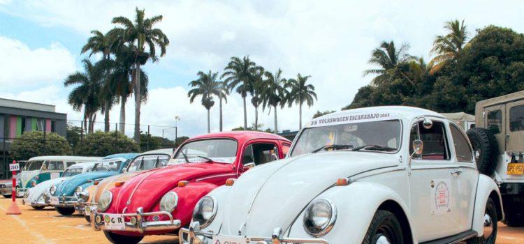 desfile de carros antiguos bucaramanga 2019, desfile de carros antiguos bucaramanga, desfile de autos antiguos bucaramanga, feria de bucaramanga, feria de bucaramanga 2019, autos antiguos, carros antiguos en colombia, historia de renault en colombia, carros antiguos, desfile de autos antiguos en colombia, feria bonita bucaramanga 2019, desfile de autos antiguos feria bonita bucaramanga, desfile de autos antiguos fotos, desfile de autos clasicos y antiguos bucaramanga, desfile de autos clasicos, desfile de autos clasicos 2019, desfile de autos clasicos bucaramanga, desfile de autos clasicos feria bonita bucaramanga, volkswagen escarabajo colombia, jeep willys colombia, lincoln continental colombia, volkswagen microbus colombia, ford f-100 ranger xlt colombia, renault 4 colombia, chevrolet corvette stingray colombia, dodge demon colombia