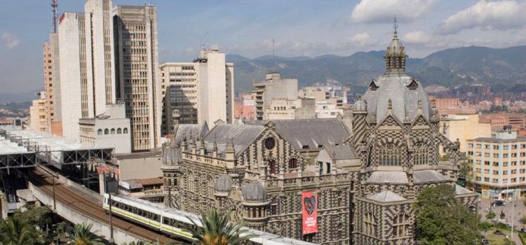 Valle de Aburrá, Medio ambiente, Calidad del aire, Contingencia ambiental, Pico y placa, Medellín, Carros eléctricos