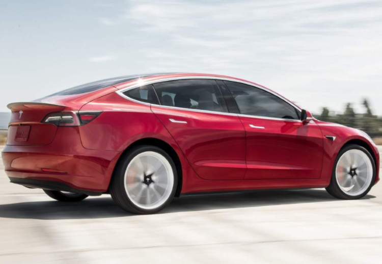 Tesla model 3 chino, Tesla model 3 chino características, Tesla model 3 chino precio, Tesla model 3 chino producción, Tesla model 3 chino fabrica, Fabrica china de Tesla, Tesla en China, Model 3 en china, Tesla model 3 de largo alcance, Tesla model 3 de larga autonomía, Tesla model 3 de tracción trasera, Tesla model 3 chino de tracción trasera, Tesla model 3 chino de largo alcance