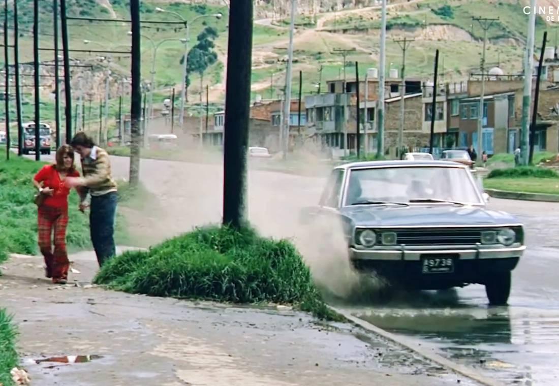 colombia en los años 70, colombia en 1974, colombia en la decada de 1970, parque automotor colombiano, favor correrse atras, favor correrse atras pelicula, favor correrse atras documental, carros antiguos en colombia, peliculas antiguas colombianas, renault 4 en colombia, simca 1000 en colombia, simca 1204, renault 6 en colombia, taxis warszawa, skoda octavia colombia, simca ariane colombia, autos antiguos en colombia, patrimonio filmico colombiano, cinemateca bogota, bogota en los años 70s, bogota en 1974, bogota antigua, colombia antigua, land rover santana colombia, buses de bogota, buses antiguos de bogota, mercedes benz w114 1974 colombia, chevrolet camaro ss 1970 colombia, ford mustang hard top 1966 colombia, taxis antiguos de colombia, taxis antiguos de bogota