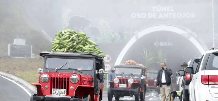 jeep willys, jeep willys colombia, jeep willys tunel de la linea, jeep willys historia en colombia, jeep willys eje cafetero, jeep willys quindio