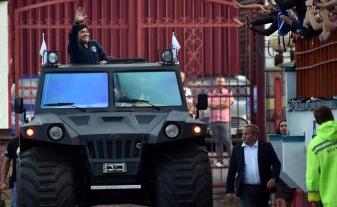 Diego Maradona, Fiat, Porsche, Ferrari, BMW, Rolls Royce, Renault, Camaro, MINI, Mercedes-Benz, Carros de Maradona, Diego Maradona Carros, Fiat Maradona, Porsche Maradona, Ferrari Maradona, BMW Maradona, Rolls Royce Maradona, Renault Maradona, Camaro Maradona, MINI Maradona, Mercedes-Benz Maradona