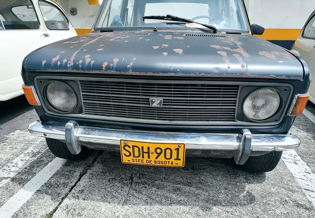 zastava colombia, taxis antiguos en colombia, carros antiguos raros en colombia, taxis antiguos, zastava 1300 colombia, zastava 101 colombia, zastava 1100 colombia, taxis de los años 70 en colombia, feria antiguomotriz, fiat 128 colombia