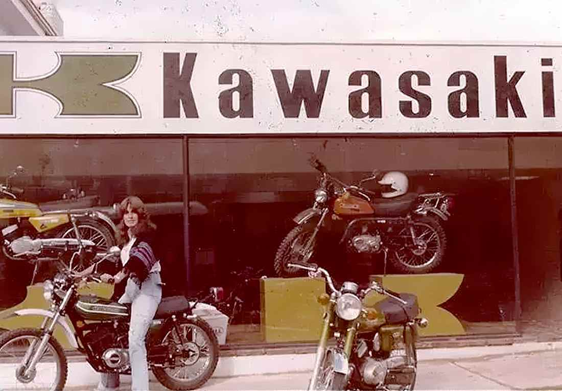Auteco 80 años motos Kawasaki 1972