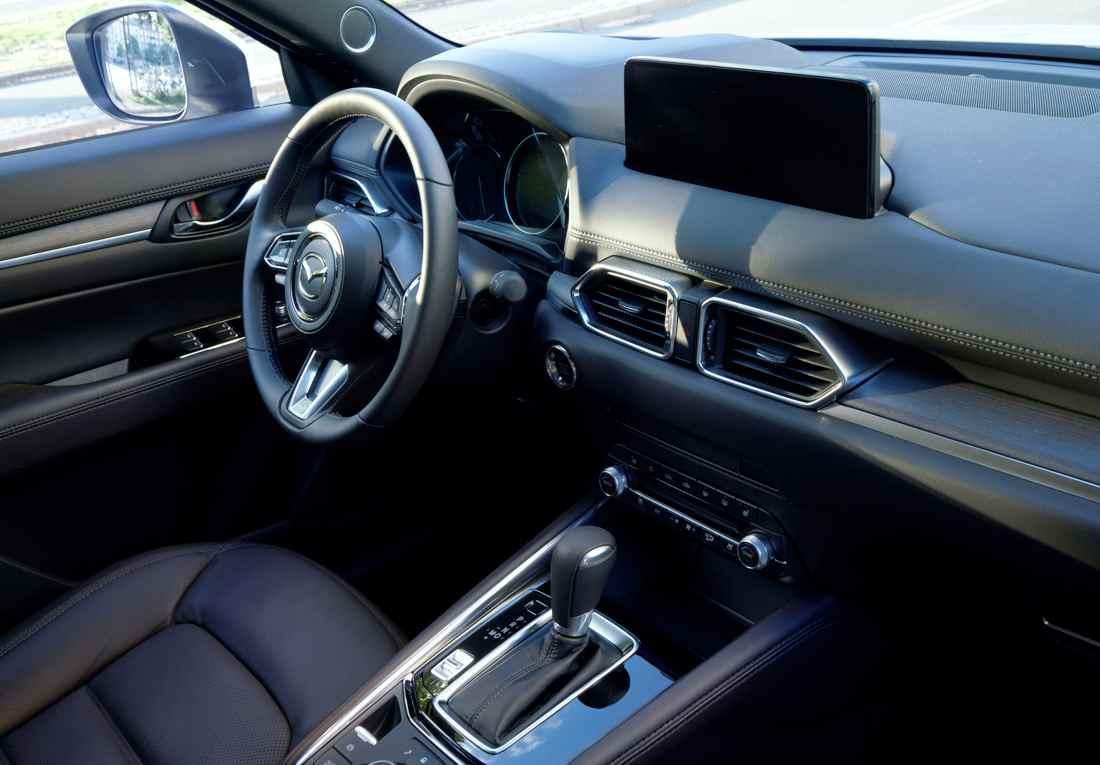Mazda CX-5 Signature 2023 Interior