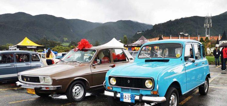 Autocolombia evento autos clásicos colombianos, Renault 4 y Renault 12