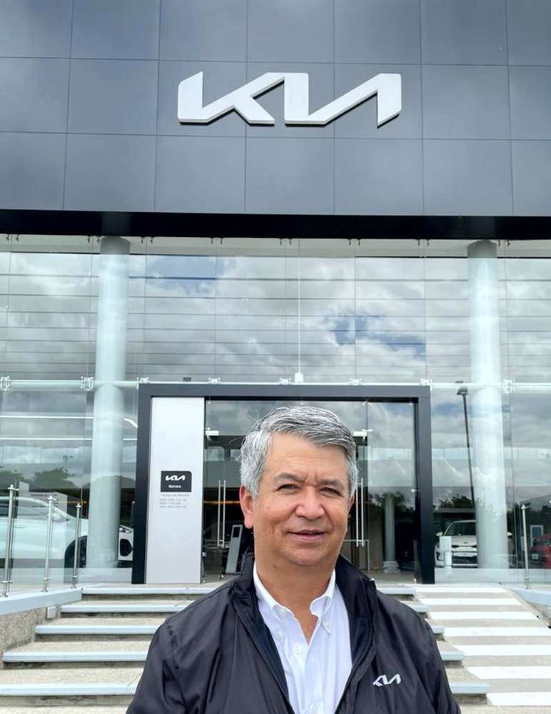 Iván Peña, Gerente General de Kia en Colombia.